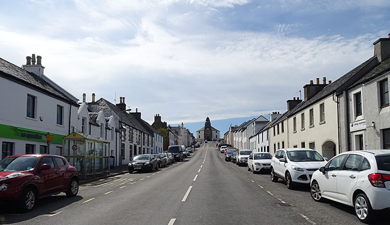 Islay Bowmore Main Street © 2015 Scotiana