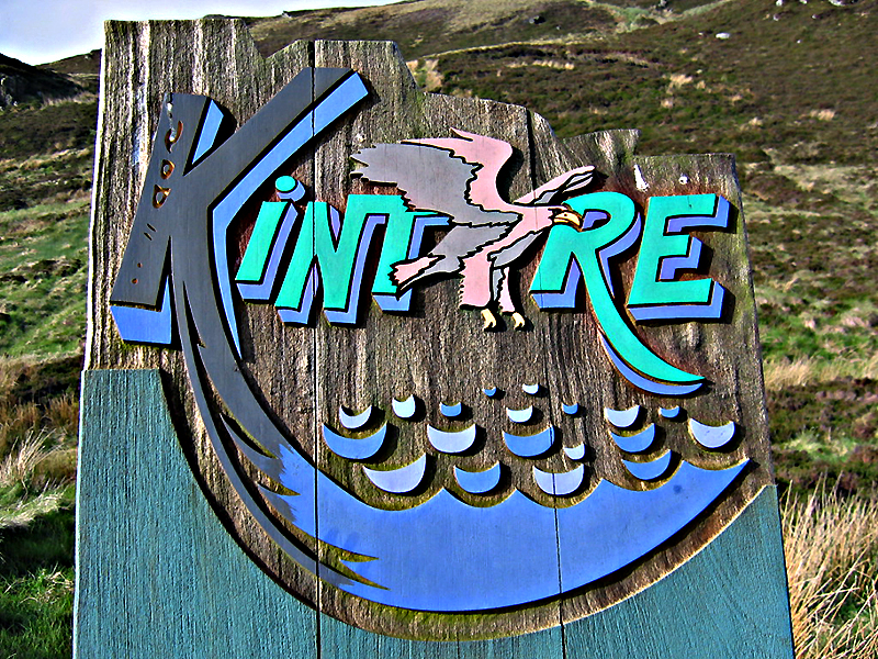 Kintyre road sign © 2004 Scotiana