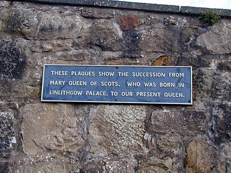 Linlithgow Kirgate Street Scottish Kings & Queens  plaque © 2007 Scotiana