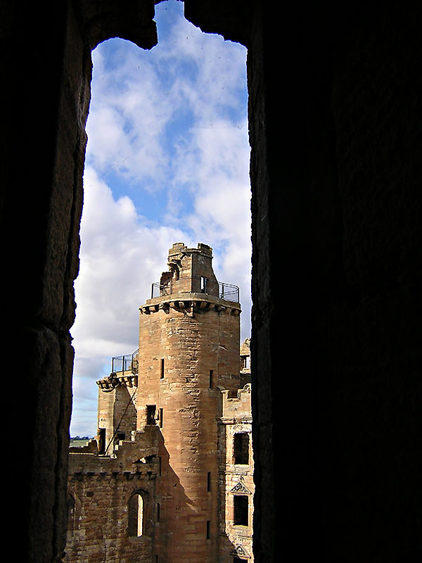 Linlithgow Palace Margaret's Bower © 2003 Scotiana