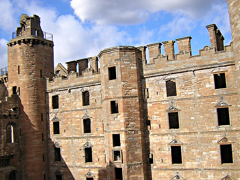 Linlithgow Palace North Range © 2003 Scotiana