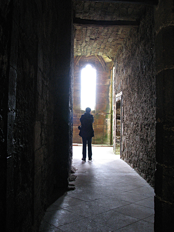 Linlithgow Palace - Searching one's way in the corridors © 2007 Scotiana