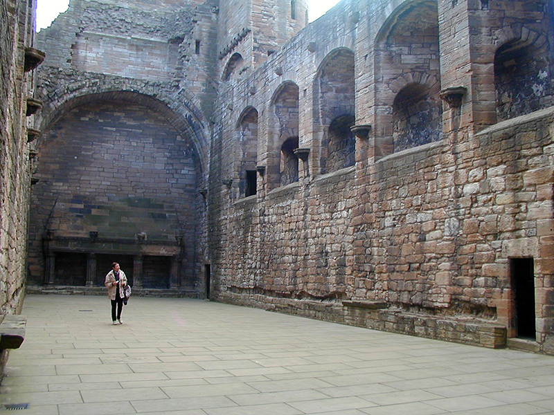 Linlithgow Palace The Great Hall © 2003 Scotiana
