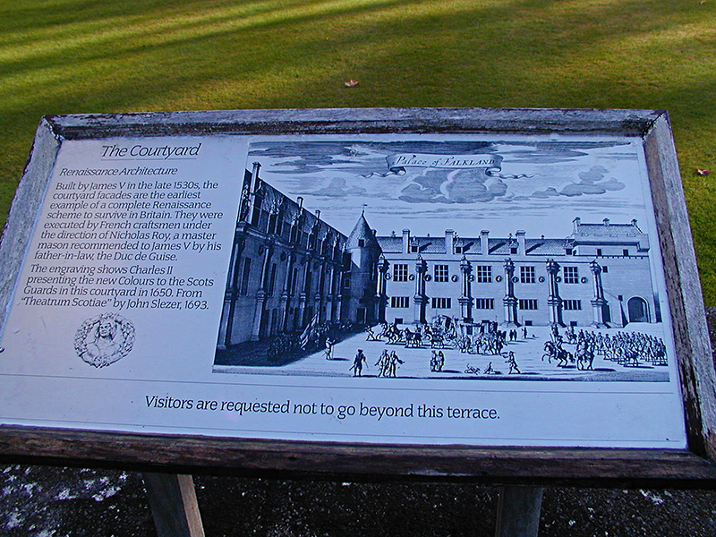 Falkland Palace Courtyard information panel © 2003 Scotiana