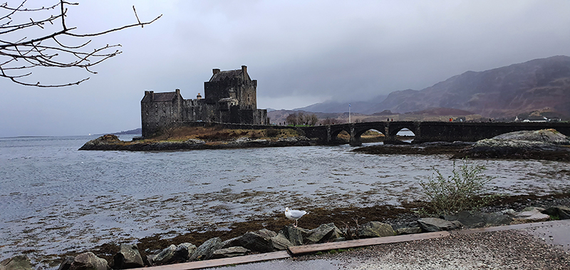 Eilean Donan Castle © 2020 Scotiana