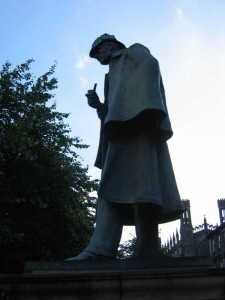 Sherlock Holmes Statue - Picardy Place