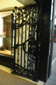 Entrance Door - Art Nouveau Style - Princes Square Shopping Center-Glasgow - Copyright 2007 Scotiana