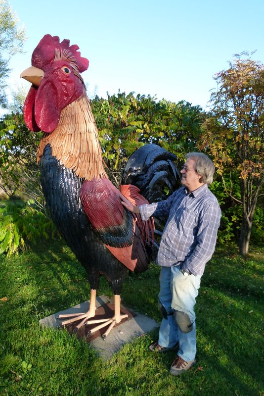 Sculptor Denis St-Pierre big cock sculpture Longue-Rive Côte-Nord Quebec october 2010
