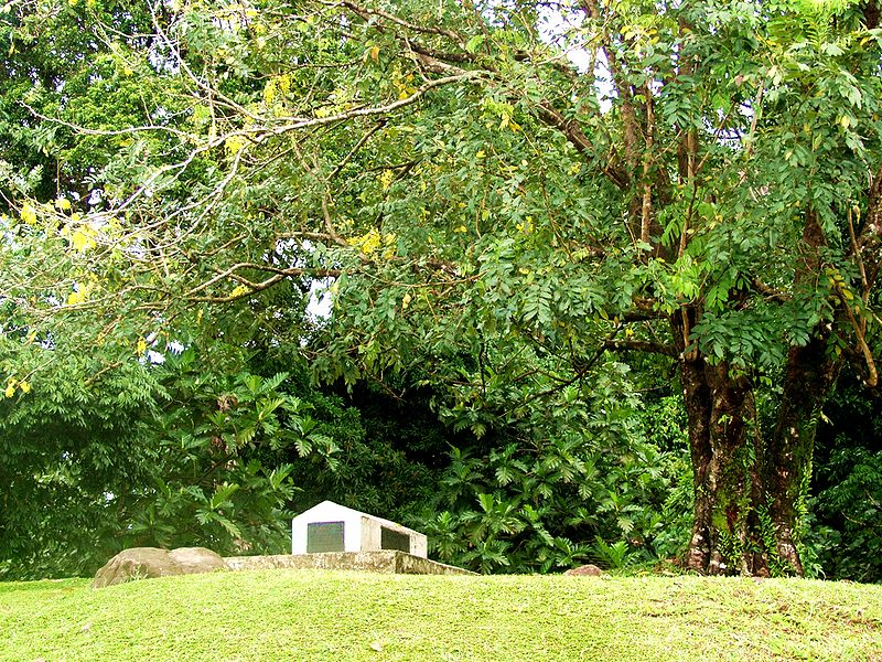 Robert Louis Stevenson's Tomb in Samoa Wikipedia