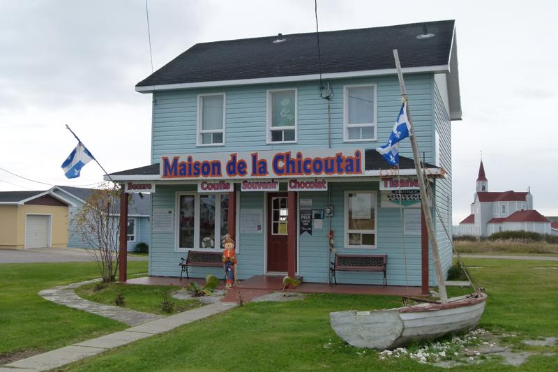 Rivière-au-Tonnerre Maison de la Chicoutai Road 138 Côte-Nord Quebec PC Scotiana 2010