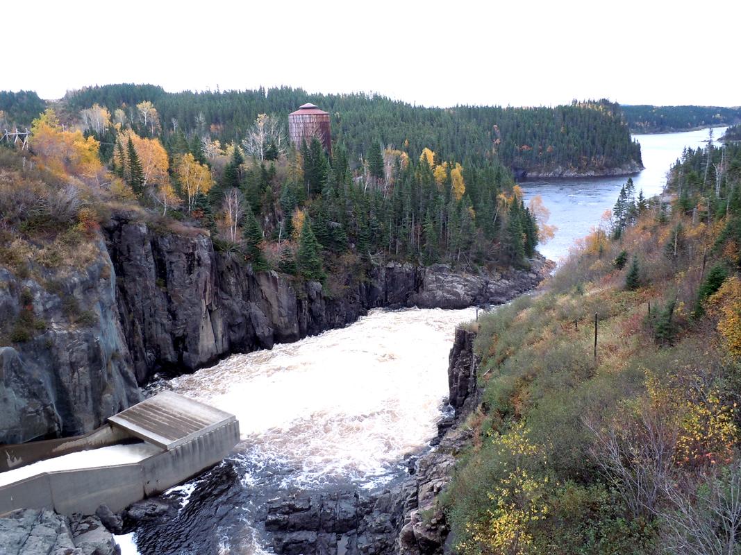 Sainte-Marguerite River dam road 138 Côte-Nord Quebec PC Scotiana october 2010