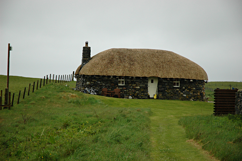 Borvemor Blackhouse Scaristavore Harris Outer Hebrides Western Isles of Scotland © 2006 Scotiana