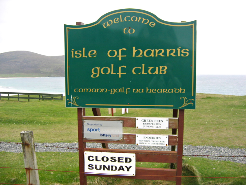 Scarista Golf South Harris Outer Hebrides Scotland Golf notice board  © 2004 Scotiana