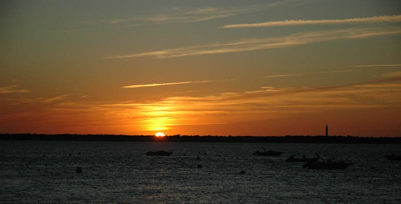Sunset on Bassin d'Arcachon © 2011 Scotiana