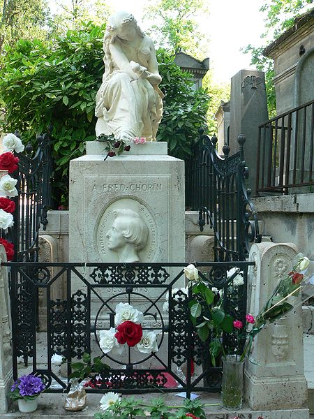 Chopin's tomb at the Père Lachaise Cemetery, Paris - Source: Wikipedia