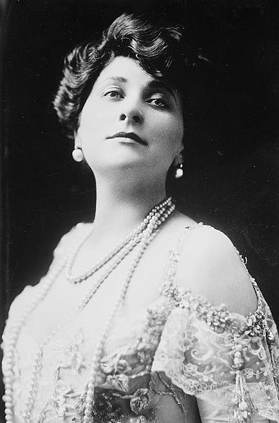 Scottish soprano Mary Garden in operatic costume - Wikipedia