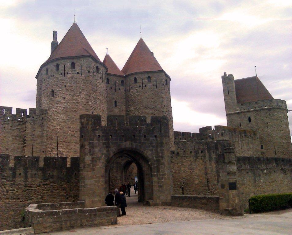 France, Languedoc-Roussillon, Aude, Cité de Carcassonne, Porte Narbonnaise  © 2012 Scotiana