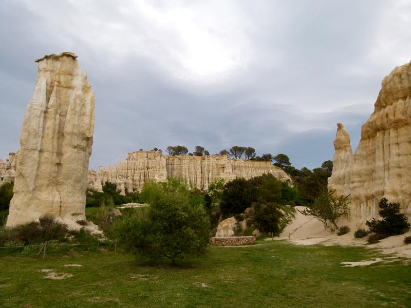 France Languedoc-Roussillon Pyrénées-Orientales Ille-sur-Têt Les Orgues 'stone giants'  © 2012 Scotiana