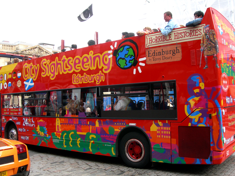 Edinburgh City Sightseeing red bus  © 2007 Scotiana