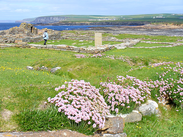 Viking Church remains Brough of Birsay Colin Smith 2007 Wikimedia