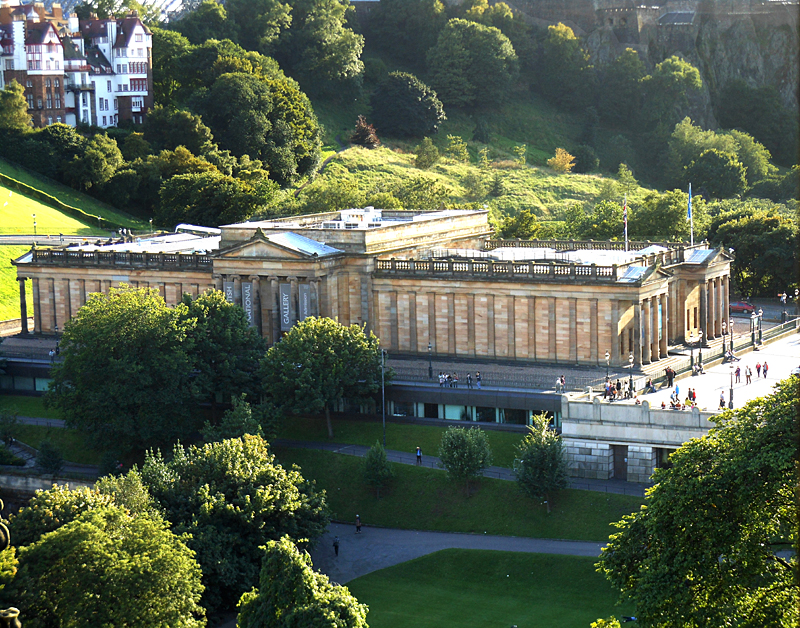 Edinburgh - Princes Street Gardens & The National Gallery of Scotland © 2012 Scotiana