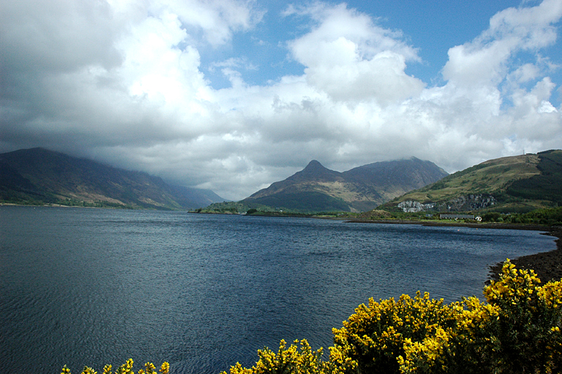 Loch Leven with Pap of Glencoe in the background © 2006 Scotiana