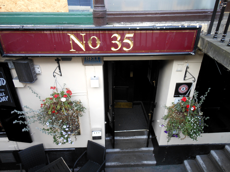 Milnes Bar - 35 Hanover Street Edinburgh © 2012 Scotiana