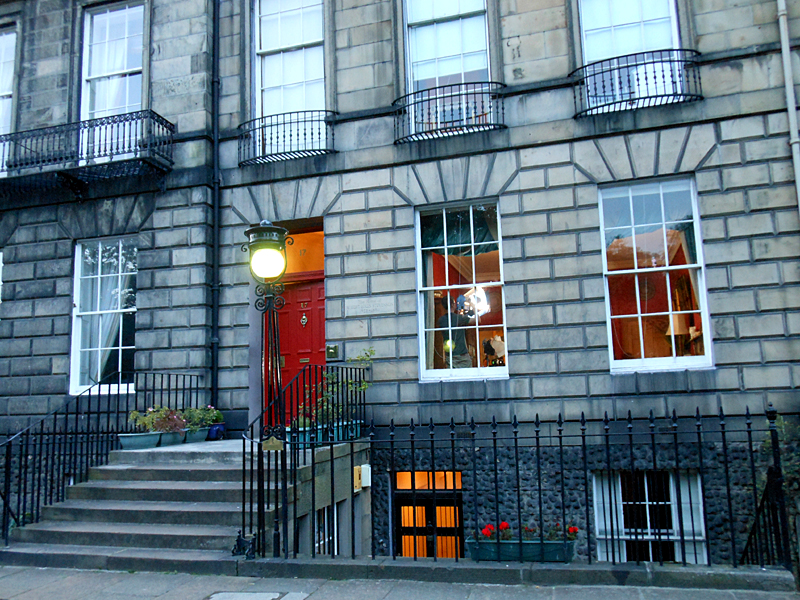 Robert Louis Stevenson's house at 17 Heriot Row in Edinburgh © 2012 Scotiana