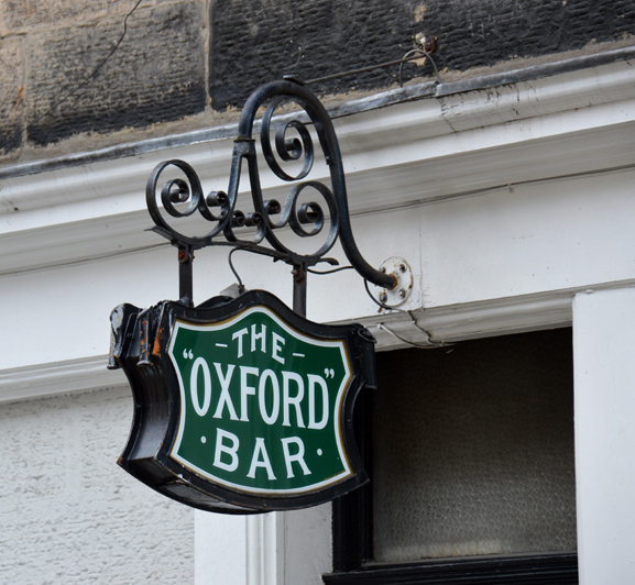 The Oxford Bar sign in Young Street Edinburgh © 2012 Scotiana