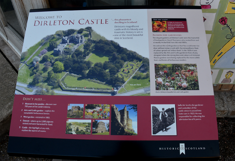 Dirleton Castle HS welcome panel