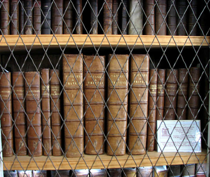 Innerpeffray Library shelves Voyages & Travels © 2007 Scotiana
