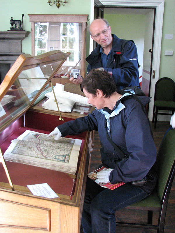 Innerpeffray library MA et JC © 2007 Scotiana