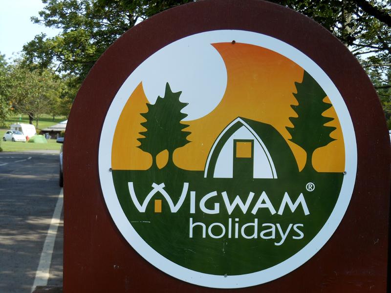 Mortonhall campsite - Wigwam holiday sign MA © 2012 Scotiana