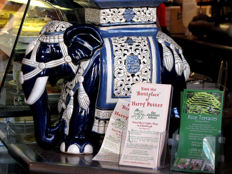 China blue elephant in the Elephant House Edinburgh  © 2012 Scotiana