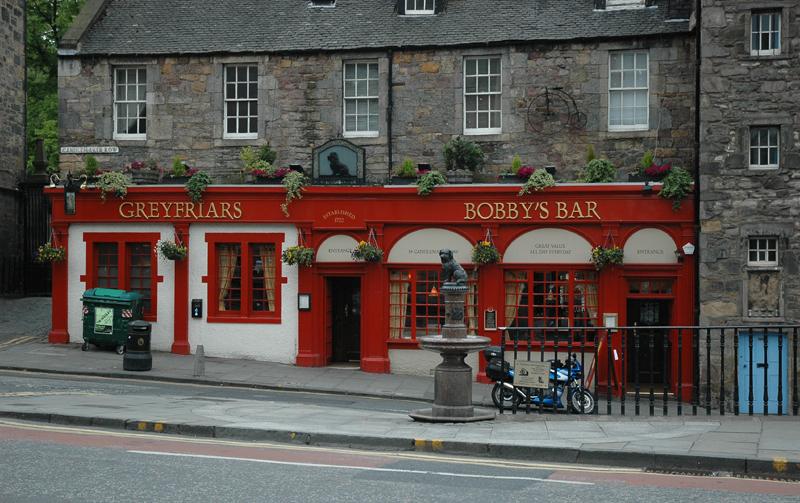 Edinburgh Old Town Greyfriars Bobby Bar Candle Maker Road © 2006 Scotiana