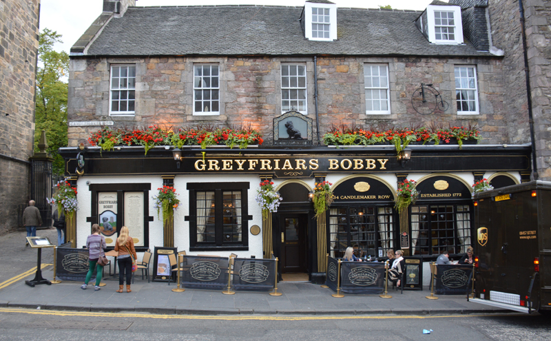 Edinburgh 30-34 Candlemaker Row Greyfriars Bobby Bar © 2012 Scotiana