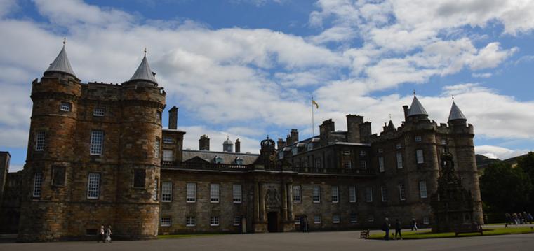 Holyrood Palace Royal Mile Old Edinburgh © 2012 Scotiana