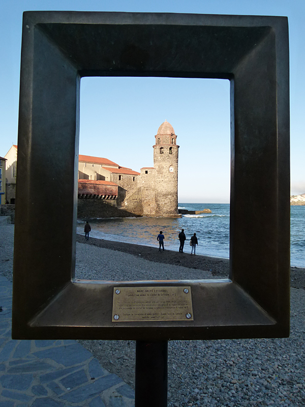 Collioure in situ frame sculpture Marc-André 2 Figueres © 2012 Scotiana