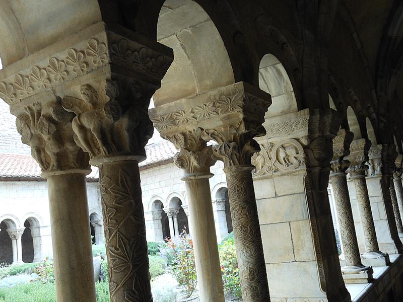 Elne Abbey Church sculpted columns © 2012 Scotiana