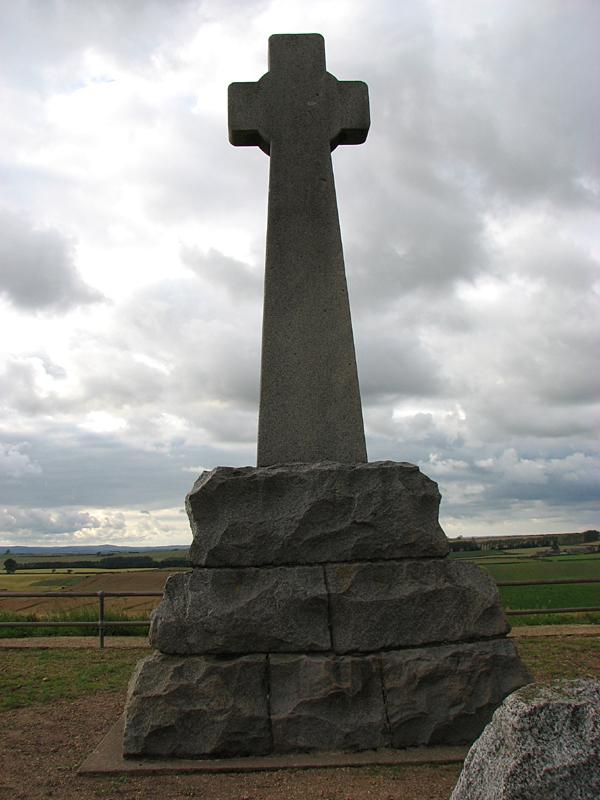 Flodden cross memorial © 2007 Scotiana
