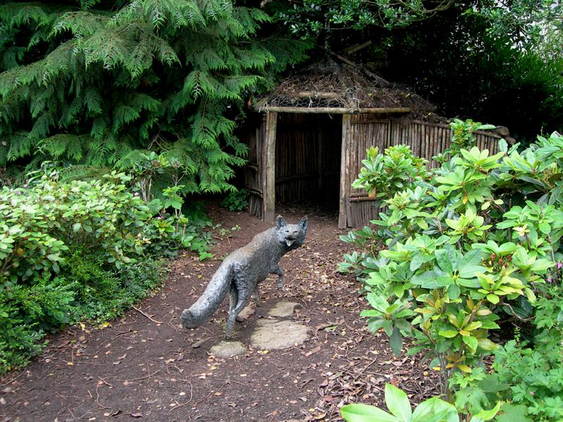Mr Fox sculpture in Beatrix Potter Garden - Dunkeld © 2007 Scotiana
