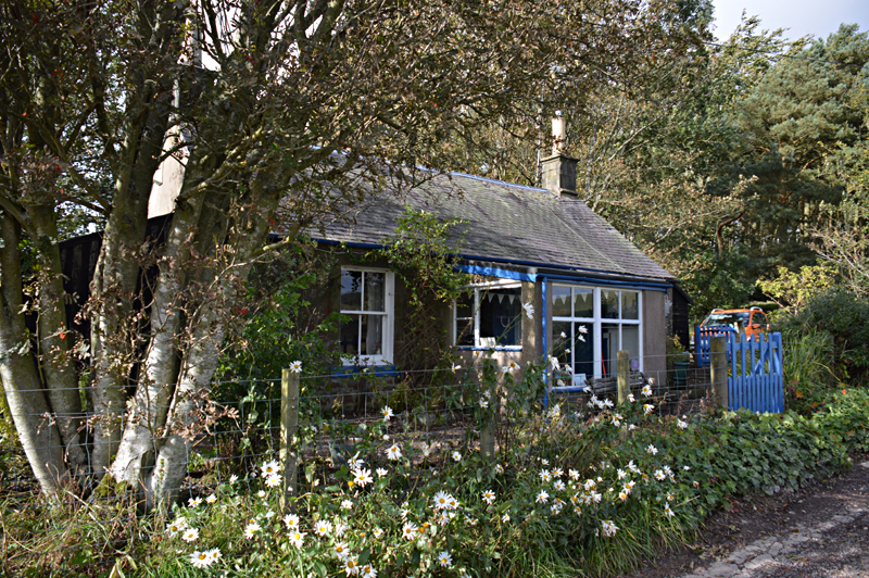 Brownsbank MacDiarmid cottage near Biggar © 2013 Scotiana