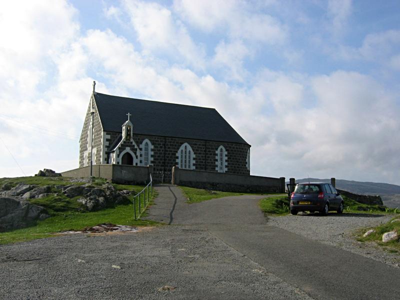 St Michael's Church in Eriskay © 2004 Scotiana