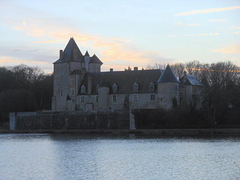 Château de La Chapelle d'Angillon © 2014 Scotiana