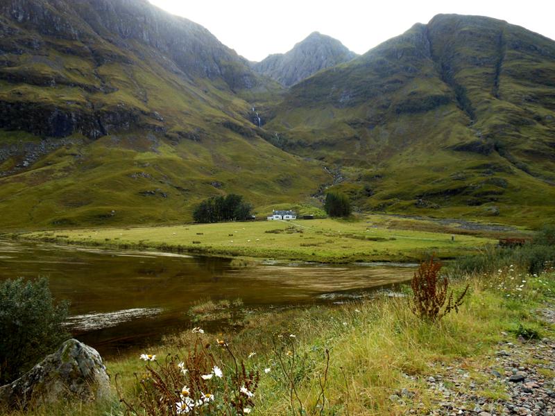 Glen Coe Achnambeithach cottage © 2012 Scotiana