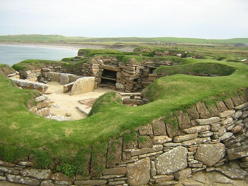 Skara Brae neolithic settlement Orkney © 2003 Scotiana
