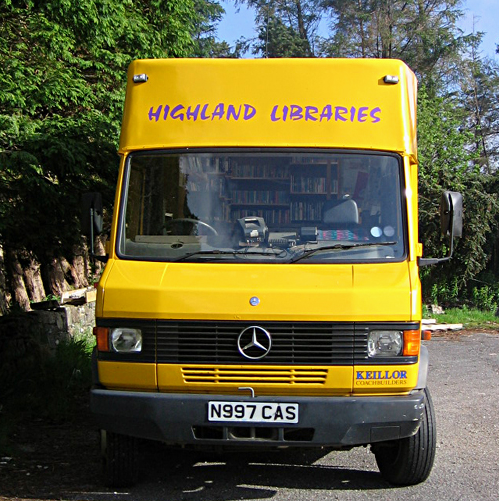 mobile-library-bus-highlands-scotland