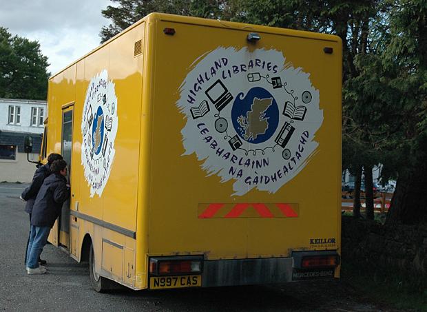 highland libraries bus scotland