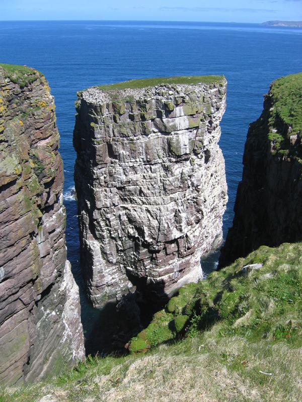 Handa island cliffs Sutherland & Ross-shire  © 2004 Scotiana