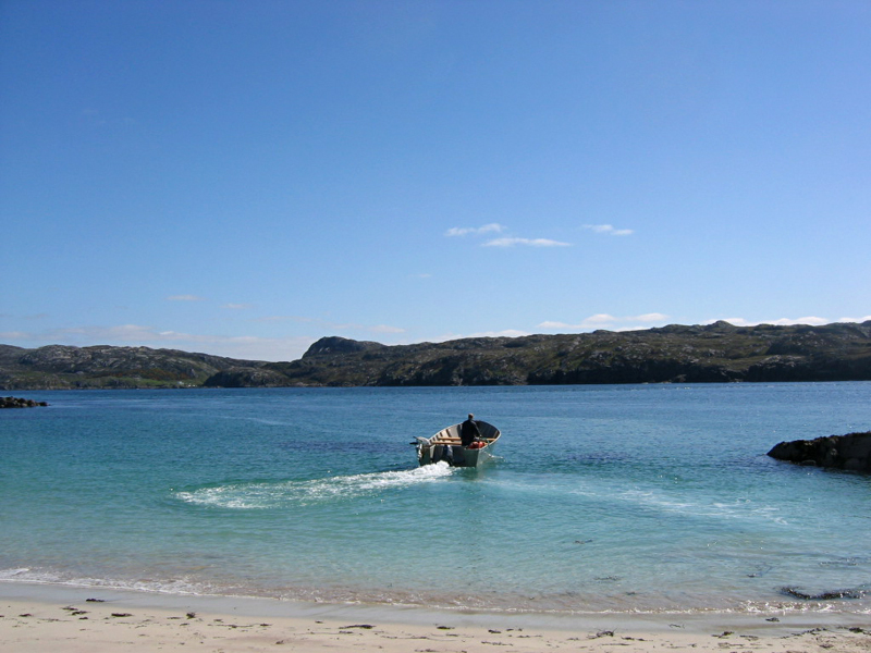 Handa island little boat © 2004 Scotiana